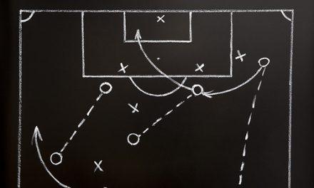 Apărarea în jocul de fotbal. Principii, forme, faze.
